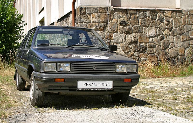 Řídili jsme auto z bondovky. Ale trochu jiné, než byste čekali. Jaký je Renault 11?: - fotka 5
