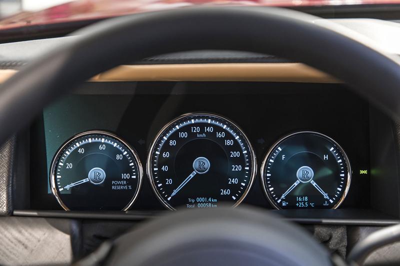 Registrační značka, prý ideální pro Rolls-Royce, se vydražila za 13 milionů: - fotka 2