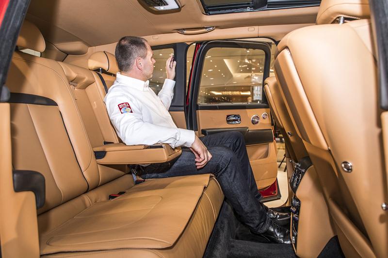 Registrační značka, prý ideální pro Rolls-Royce, se vydražila za 13 milionů: - fotka 13