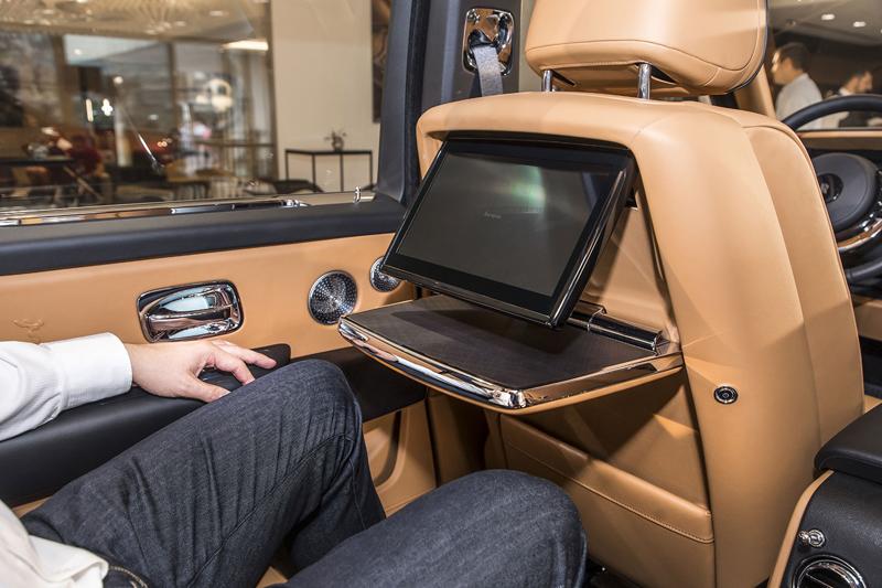 Registrační značka, prý ideální pro Rolls-Royce, se vydražila za 13 milionů: - fotka 14