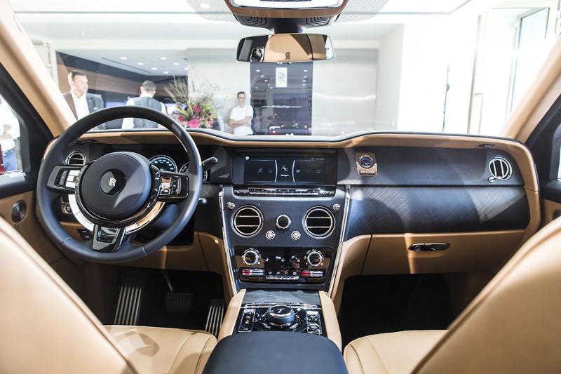 Registrační značka, prý ideální pro Rolls-Royce, se vydražila za 13 milionů: - fotka 15