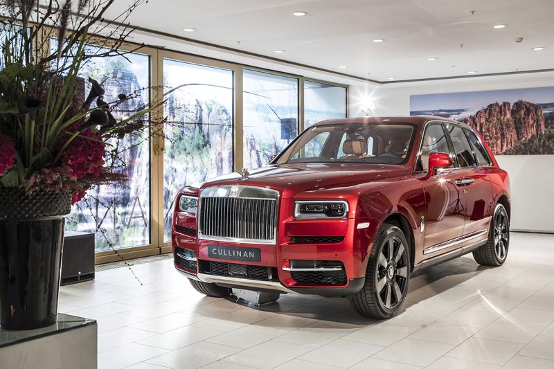Registrační značka, prý ideální pro Rolls-Royce, se vydražila za 13 milionů: - fotka 17