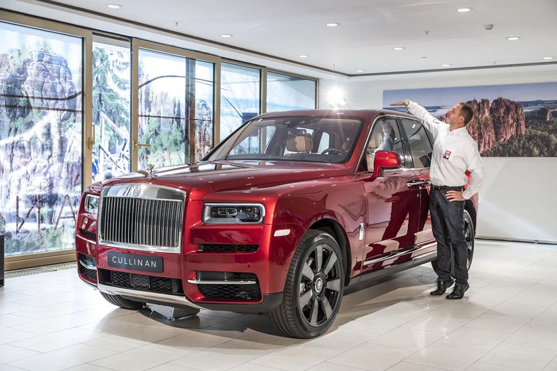 Registrační značka, prý ideální pro Rolls-Royce, se vydražila za 13 milionů: - fotka 19