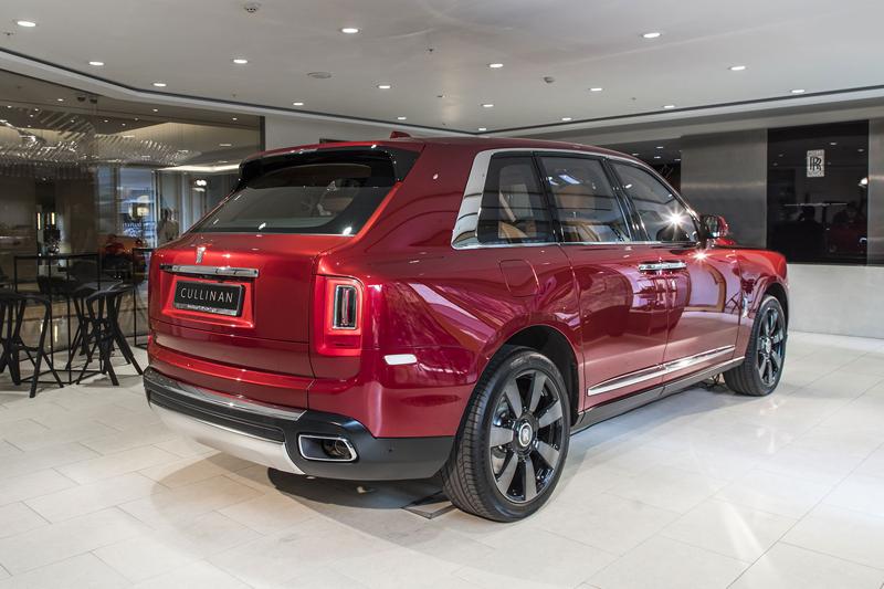 Registrační značka, prý ideální pro Rolls-Royce, se vydražila za 13 milionů: - fotka 22