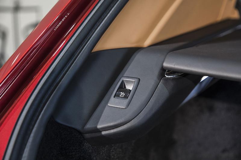Registrační značka, prý ideální pro Rolls-Royce, se vydražila za 13 milionů: - fotka 25