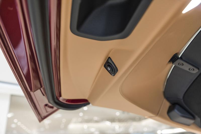 Registrační značka, prý ideální pro Rolls-Royce, se vydražila za 13 milionů: - fotka 27