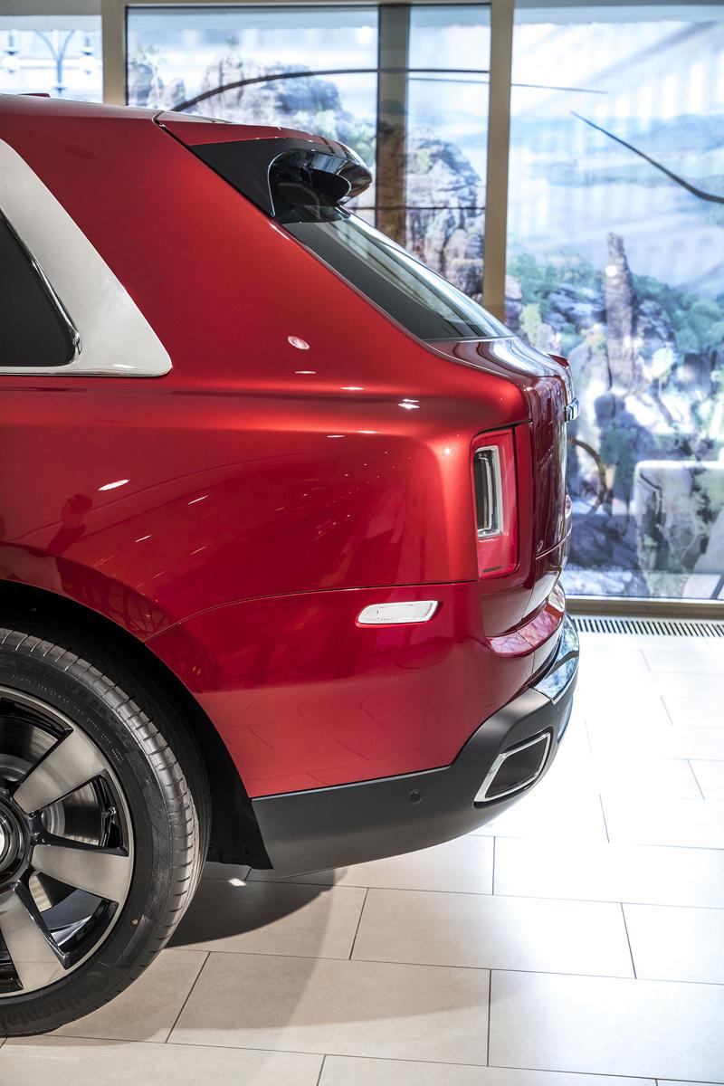 Registrační značka, prý ideální pro Rolls-Royce, se vydražila za 13 milionů: - fotka 42