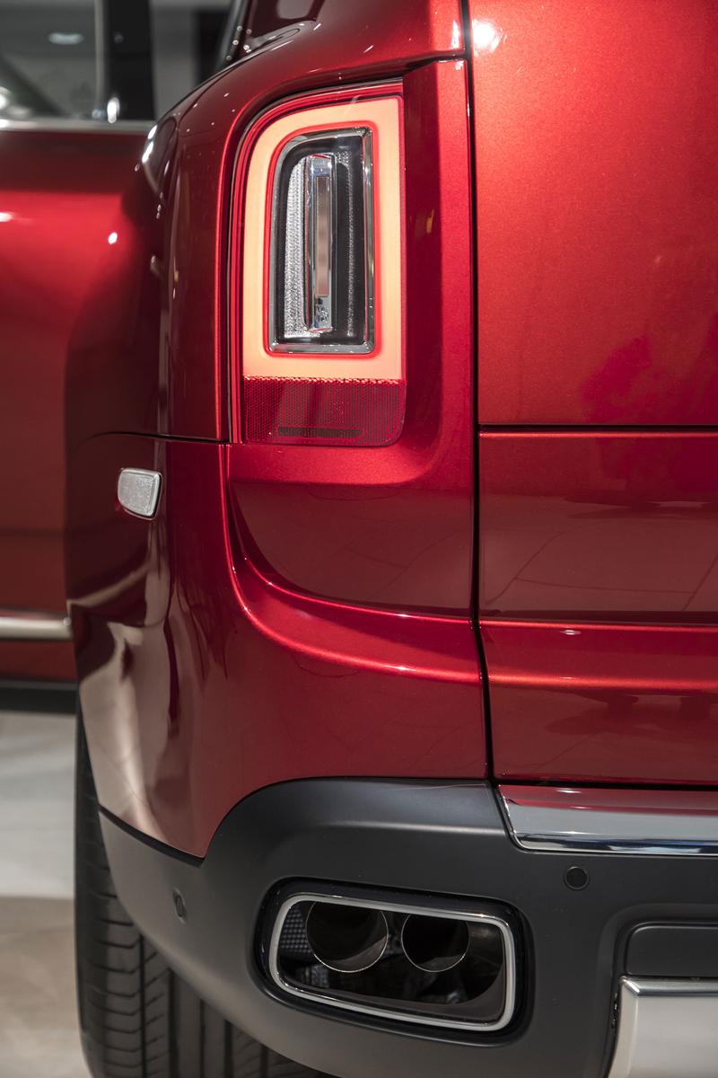 Registrační značka, prý ideální pro Rolls-Royce, se vydražila za 13 milionů: - fotka 43