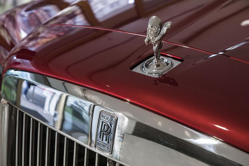 Registrační značka, prý ideální pro Rolls-Royce, se vydražila za 13 milionů: - fotka 44