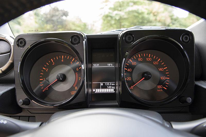 V Japonsku vám ze Suzuki Jimny udělají Mercedes třídy G nebo Land Rover Defender: - fotka 6