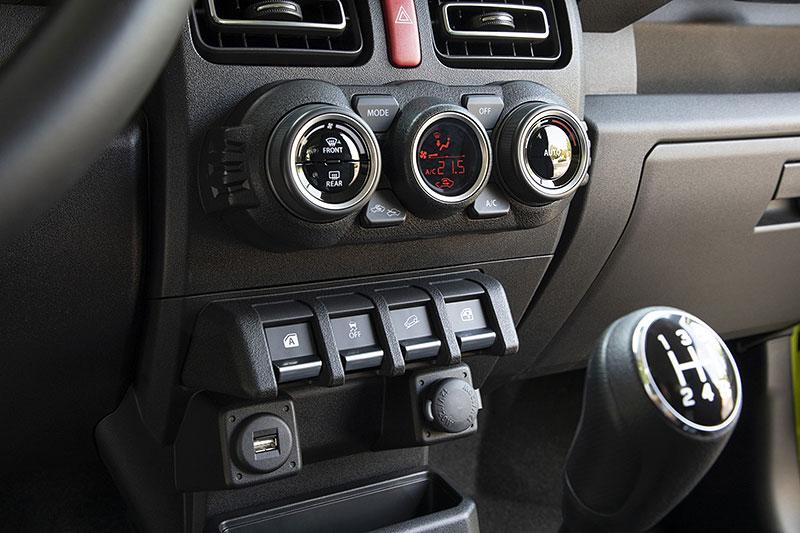 V Japonsku vám ze Suzuki Jimny udělají Mercedes třídy G nebo Land Rover Defender: - fotka 7