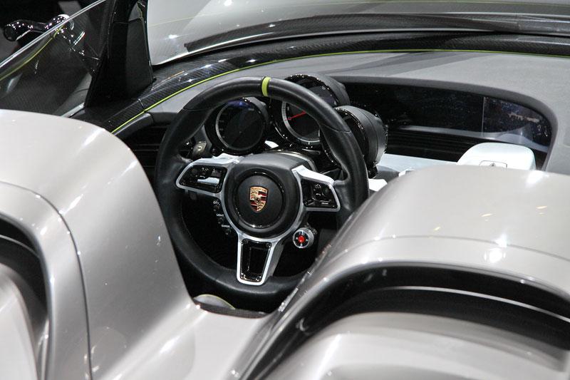 Porsche 918 Spyder: cena stanovena na půl milionu euro: - fotka 1