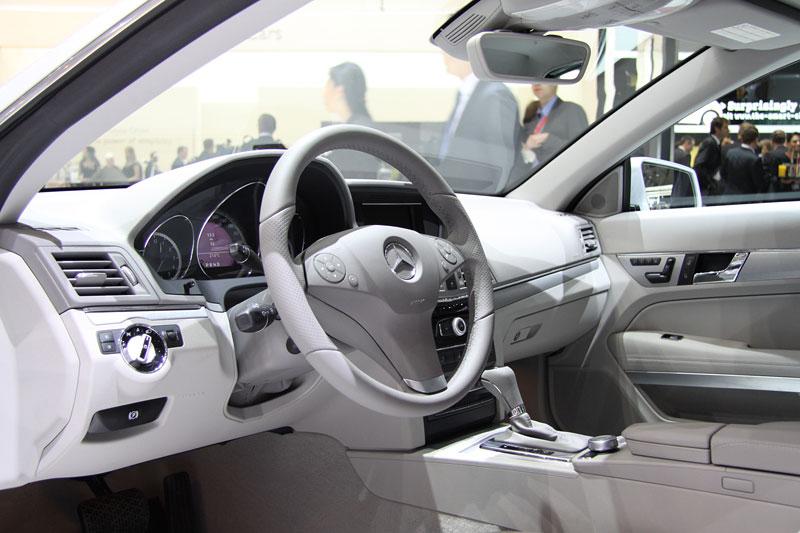 Ženeva 2010 živě: Mercedes-Benz E Cabriolet: - fotka 2
