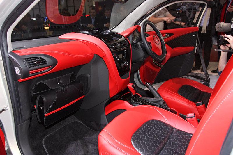 Ženeva 2010: Cygnet Concept - baby Aston Martin (nové foto): - fotka 2