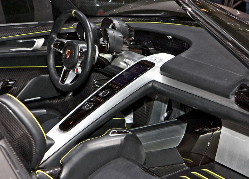 Porsche 918 Spyder: cena stanovena na půl milionu euro: - fotka 3