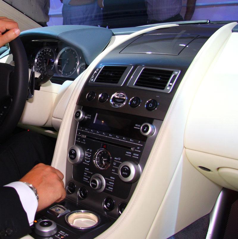 Frankfurt 2009: Aston Martin Rapide: - fotka 3
