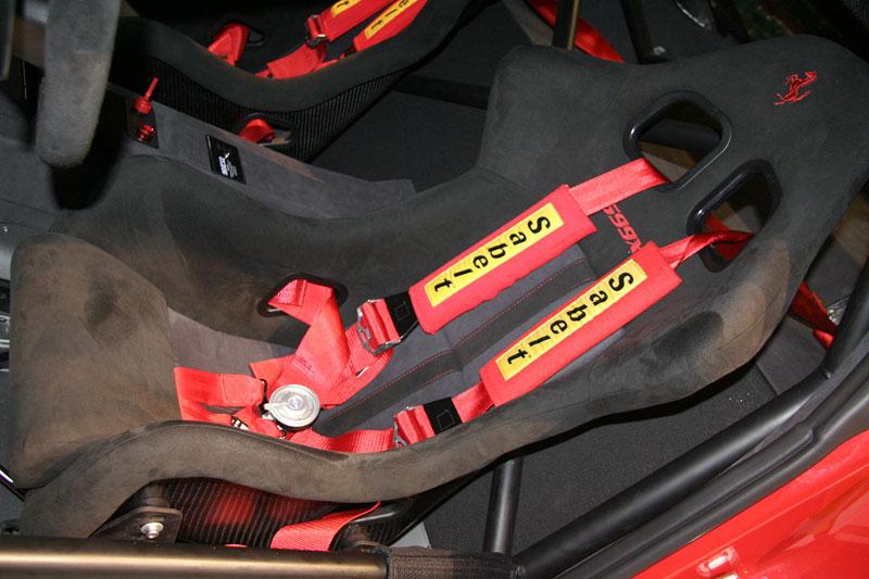 Ferrari 599XX: Massa za volantem (+video): - fotka 9