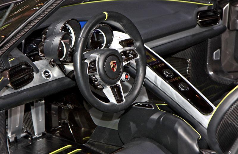 Porsche 918 v Detroitu jako závodní Coupe: - fotka 4