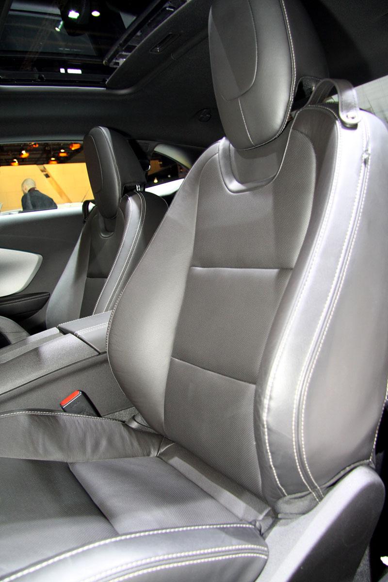 Ženeva 2010 živě: Chevrolet Camaro: - fotka 4