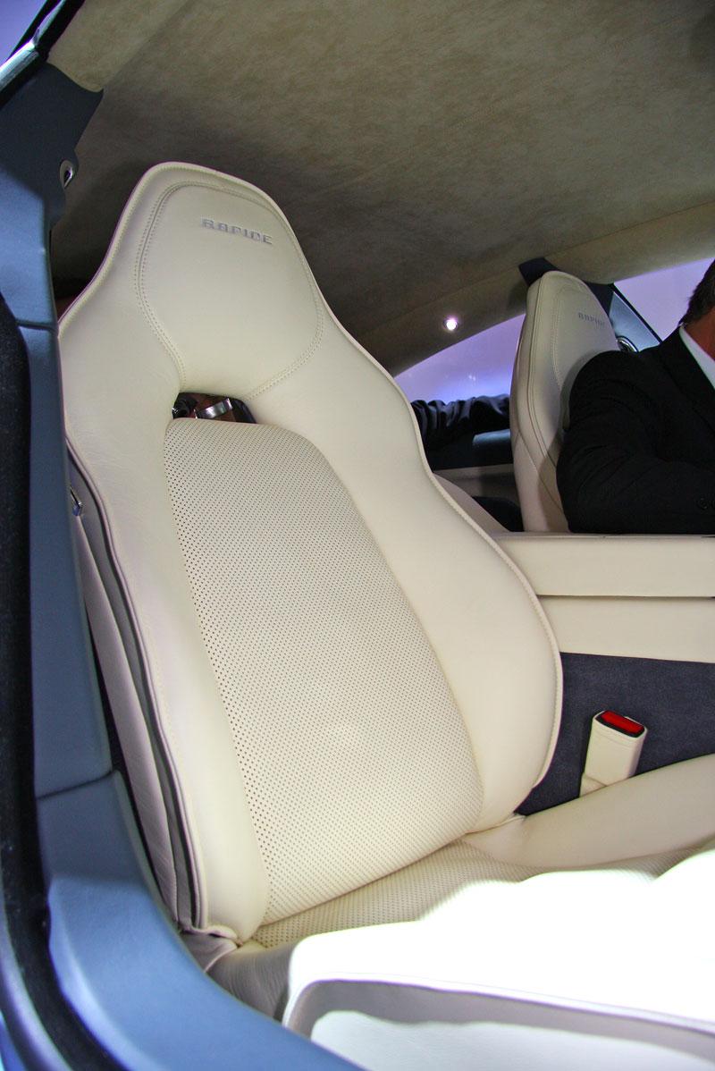 Frankfurt 2009 živě: Aston Martin Rapide - první dojmy: - fotka 5