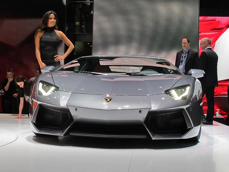 Ženeva 2011 živě: Lamborghini Aventador LP700-4: - fotka 15