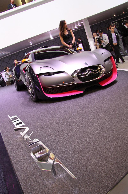 Ženeva 2010: Citroën Survolt – stylový i agresivní (nové foto): - fotka 1