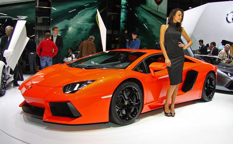Ženeva 2011 živě: Lamborghini Aventador LP700-4: - fotka 16