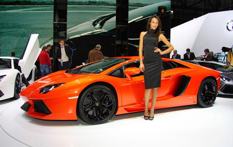 Ženeva 2011 živě: Lamborghini Aventador LP700-4: - fotka 17