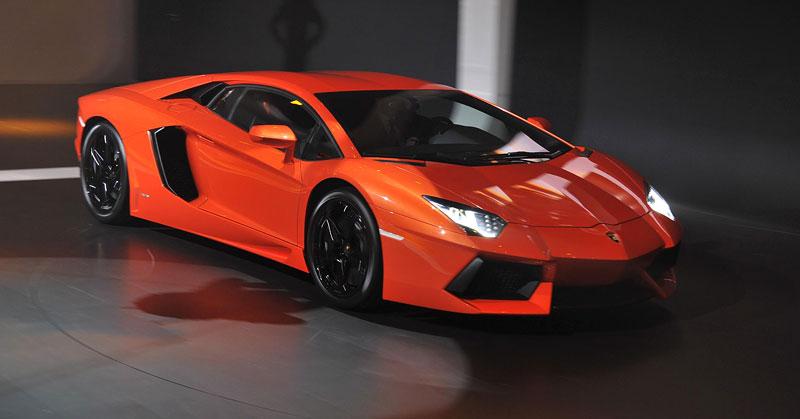 Ženeva 2011 živě: Lamborghini Aventador LP700-4: - fotka 18