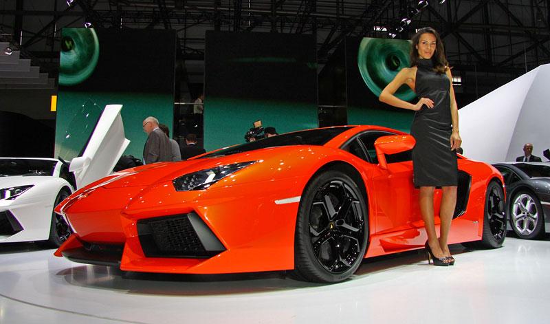 Ženeva 2011 živě: Lamborghini Aventador LP700-4: - fotka 20
