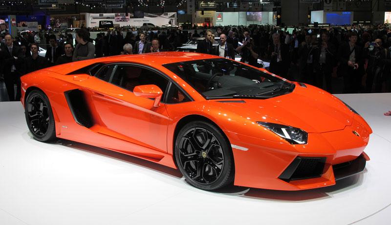Ženeva 2011 živě: Lamborghini Aventador LP700-4: - fotka 21