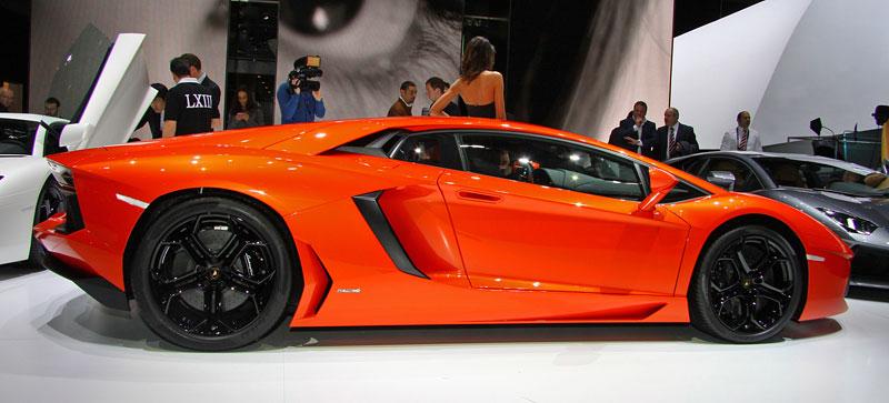 Ženeva 2011 živě: Lamborghini Aventador LP700-4: - fotka 22