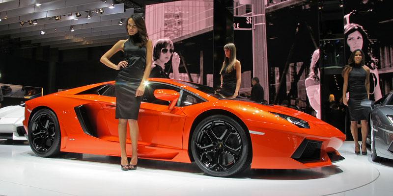 Ženeva 2011 živě: Lamborghini Aventador LP700-4: - fotka 24