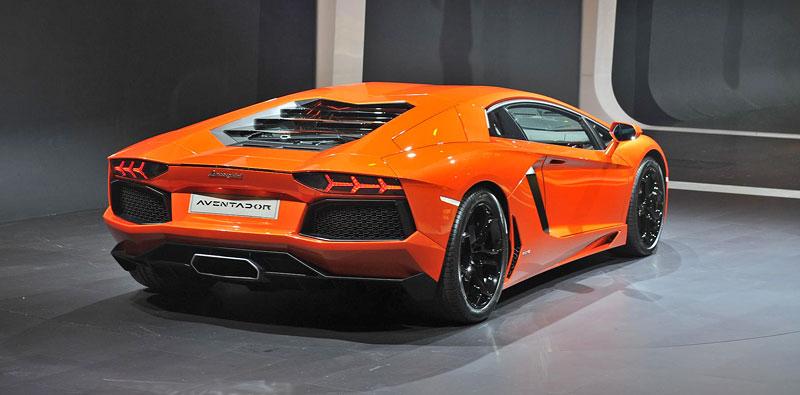 Ženeva 2011 živě: Lamborghini Aventador LP700-4: - fotka 27