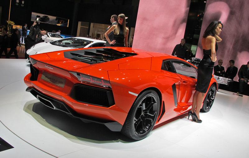 Ženeva 2011 živě: Lamborghini Aventador LP700-4: - fotka 28