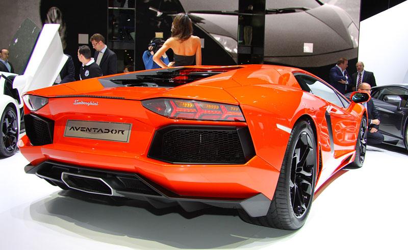 Ženeva 2011 živě: Lamborghini Aventador LP700-4: - fotka 29