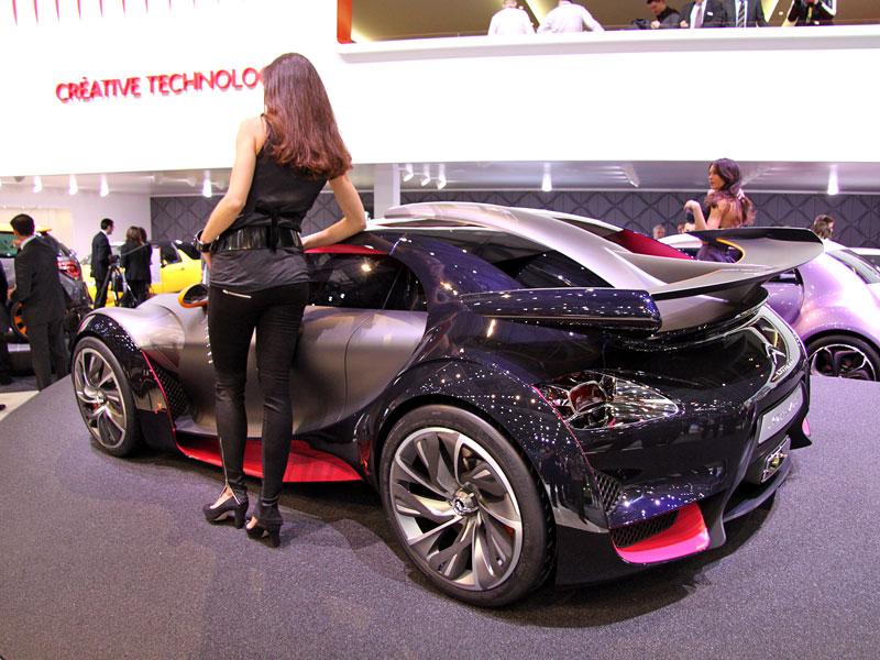 Ženeva 2010: Citroën Survolt – stylový i agresivní (nové foto): - fotka 8