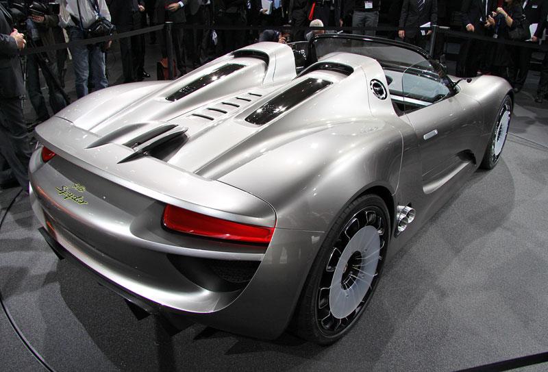 Porsche 918 v Detroitu jako závodní Coupe: - fotka 7