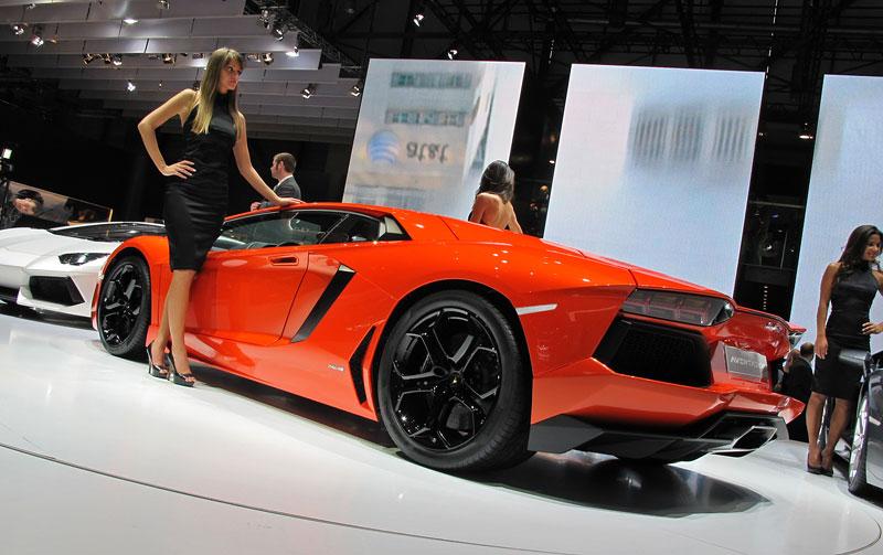 Ženeva 2011 živě: Lamborghini Aventador LP700-4: - fotka 34