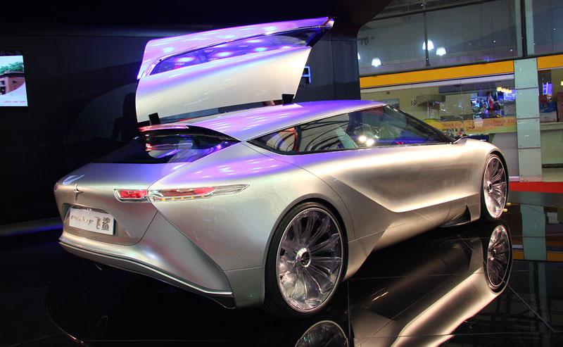 Icona Design Fuselage: atraktivní granturismo... z Číny!: - fotka 12