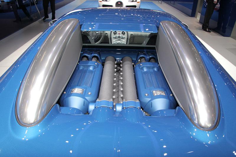 Autosalon Ženeva: Bugatti Veyron Bleu Centenaire: - fotka 6