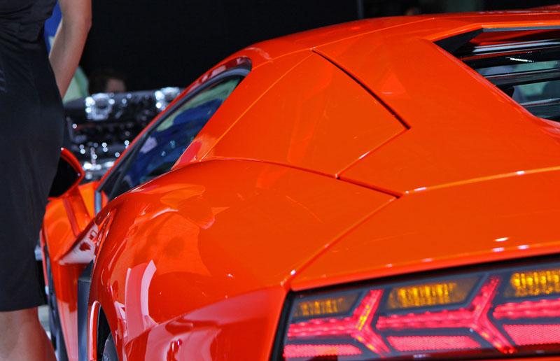 Ženeva 2011 živě: Lamborghini Aventador LP700-4: - fotka 41