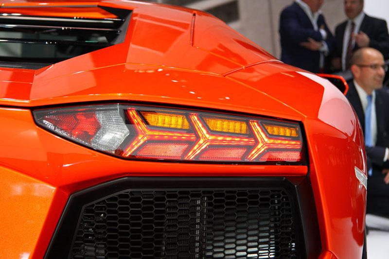 Ženeva 2011 živě: Lamborghini Aventador LP700-4: - fotka 43