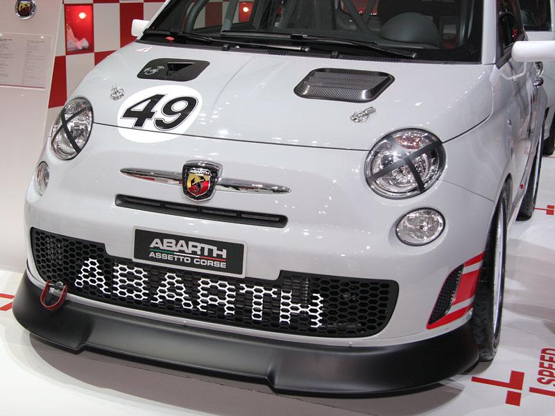 Paříž 2008 - Fiat 500 Abarth Esseesse - kompletní info: - fotka 16