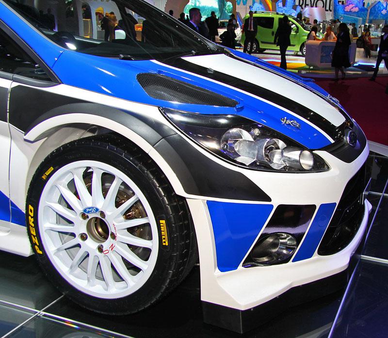 Paříž 2010: Ford Fiesta RS WRC – je pomalu čas udělat focusu pápá: - fotka 7