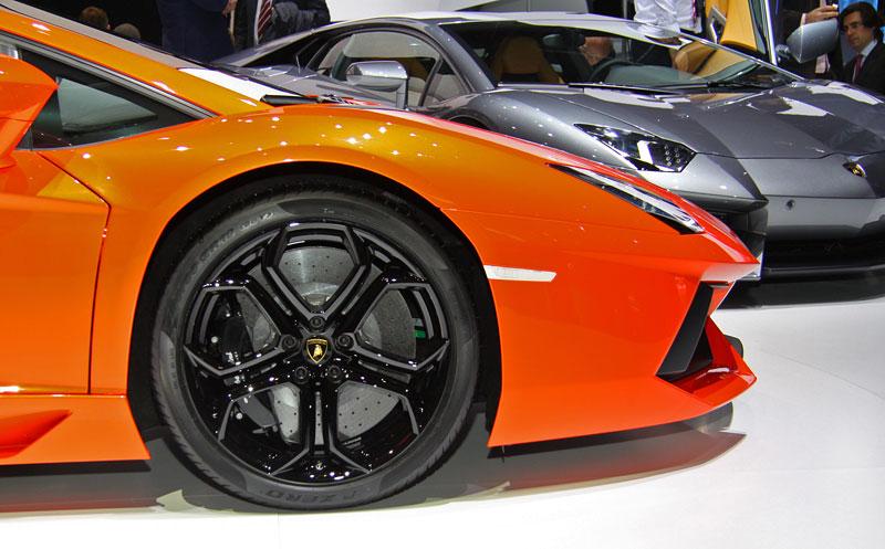 Ženeva 2011 živě: Lamborghini Aventador LP700-4: - fotka 49