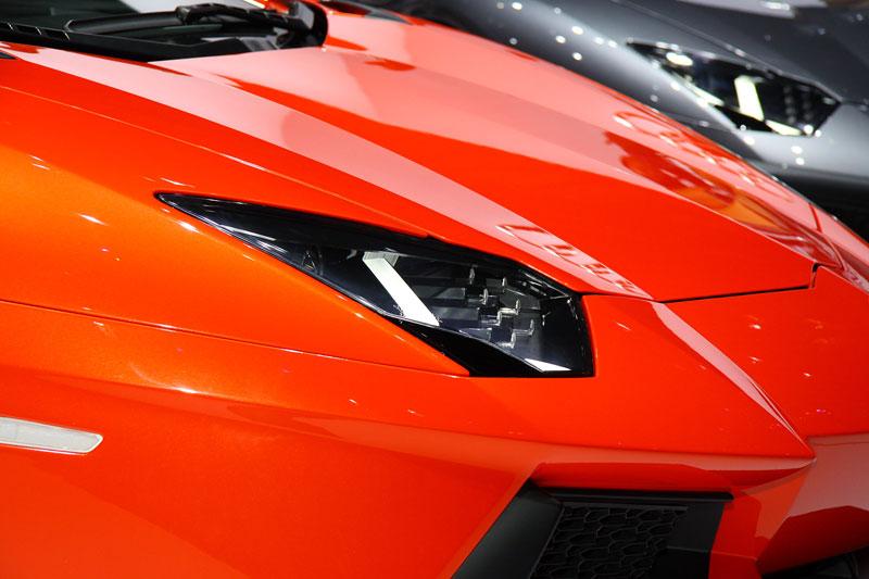 Ženeva 2011 živě: Lamborghini Aventador LP700-4: - fotka 50