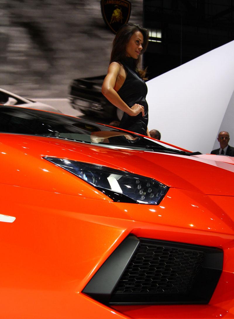 Ženeva 2011 živě: Lamborghini Aventador LP700-4: - fotka 52