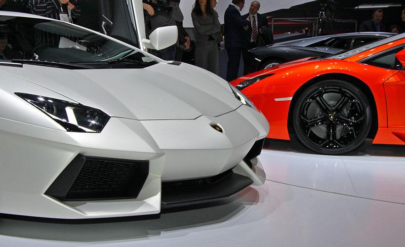 Ženeva 2011 živě: Lamborghini Aventador LP700-4: - fotka 54