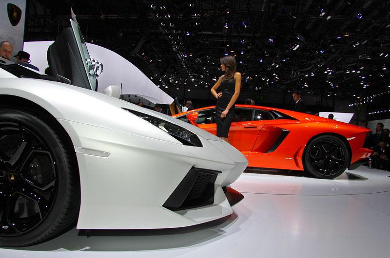 Ženeva 2011 živě: Lamborghini Aventador LP700-4: - fotka 55